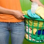 ¿Cómo preparar un suavizante de ropa natural, barato y ecológico?