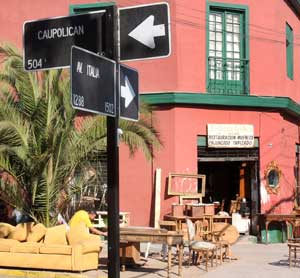 Paseos para ni os el barrio italia entretenci n para ni os for Restauradores de muebles antiguos