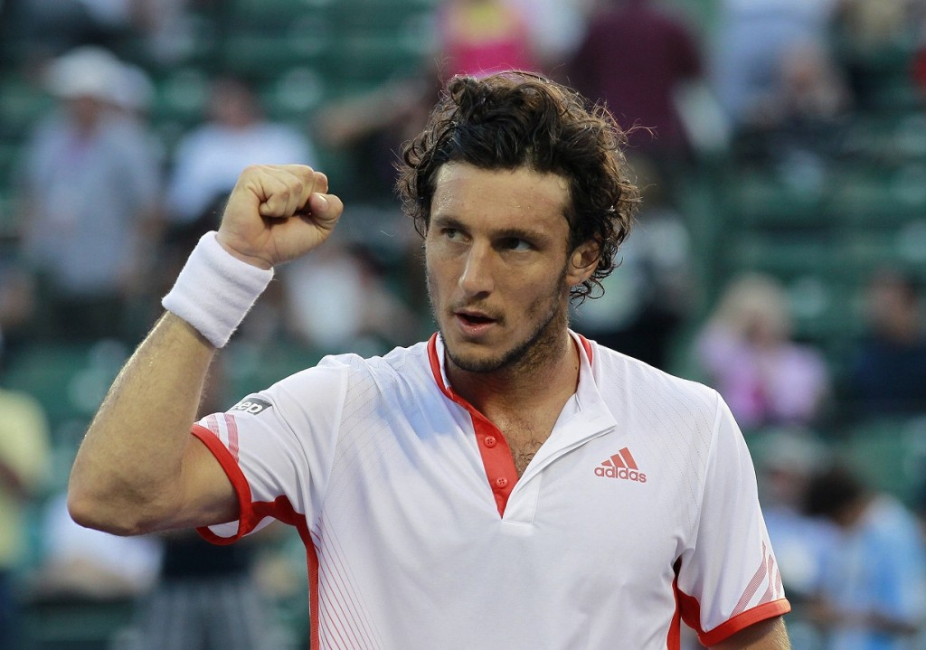 Monaco of Argentina acknowledges crowd after defeating Roddick of U.S. at Sony Ericsson Open tennis tournament in Key Biscayne