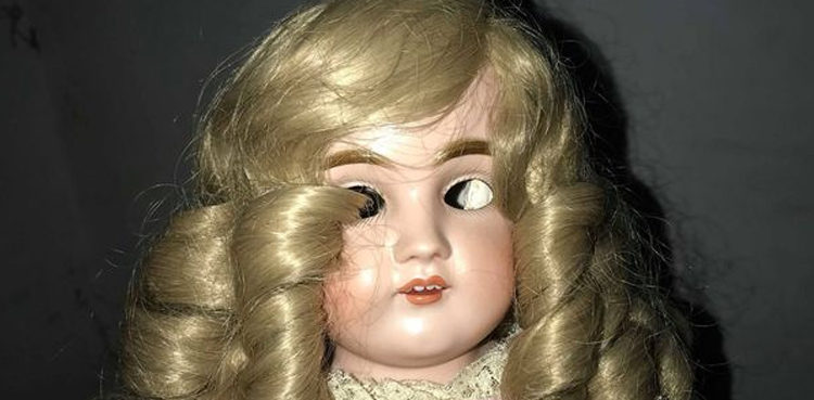 Janet Haunted-doll-Janet-1-750x369