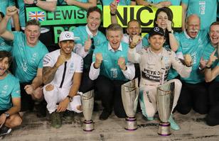 Rosberg y Hamilton cierran un año brillante para Mercedes