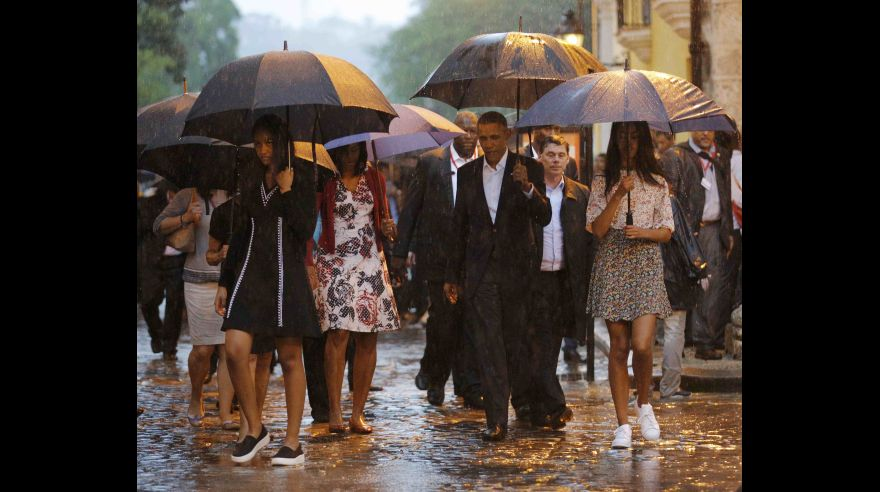 U.S. President Barack Obama tours Old Havana with his family