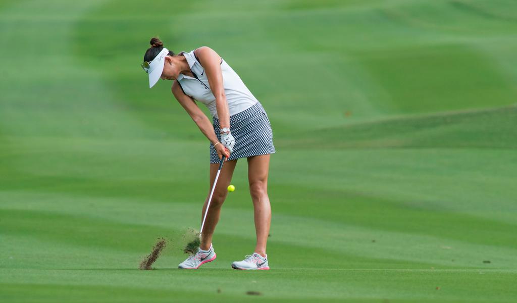 Escotes y minifaldas en el golf femenino  fotos de lo que NO se verá ... 4bc6c02606ef