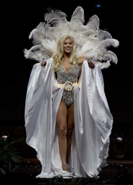 Miss Universo 2018 2019 >> Fotos del concurso de trajes nacionales en Miss Universo: Plumas, colores y toques exóticos ...