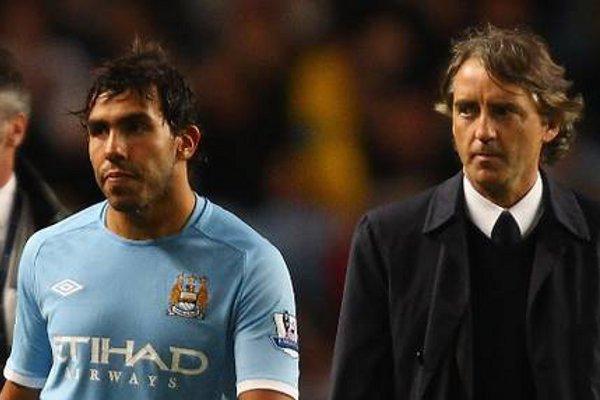 Mancini pelea con Tévez.