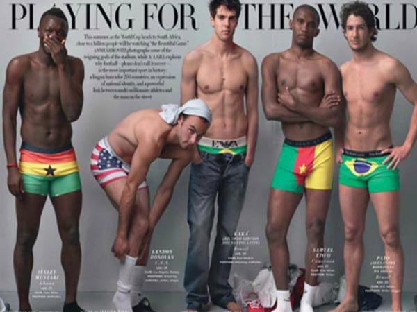 Futbolistas modelando ropa interior de su país para Sudáfrica 2010