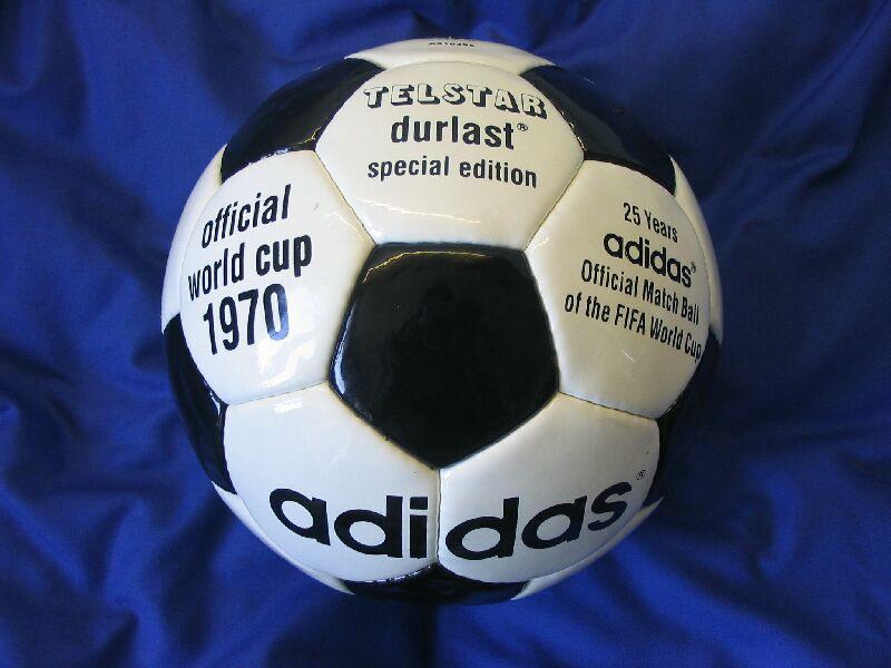 Todos los balones de fútbol desde la primera copa del mundo ... 2df98721f6044
