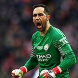 Bravo regresó a lo grande: Mira el video de la notable tapada en su regreso oficial al arco del Manchester City