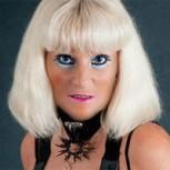 Jackie, la actriz porno francesa que sigue los pasos de Cicciolina en la política