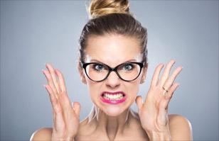 Resultado de imagen para mujer enojada