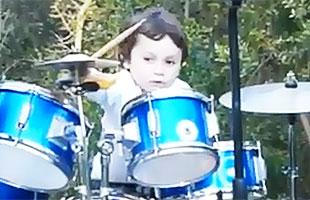Niño chileno de 5 años que toca batería arrasa con cover de Pink Floyd
