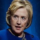 Hillary Clinton atacada con un zapatazo en pleno discurso: Video con la agresión