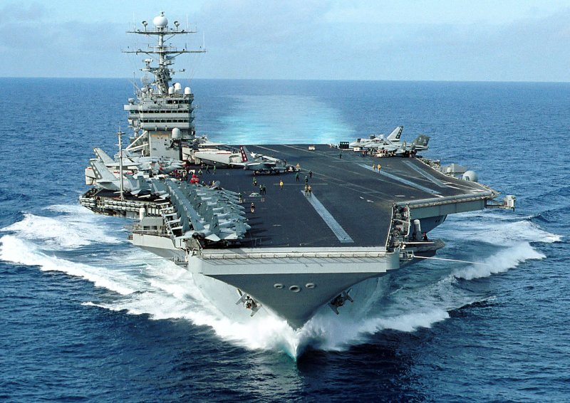 USS_George_Washington_(CVN-73)_F