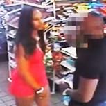 Mujeres asaltan sexualmente a un hombre y son buscadas por la policía: Crudo video