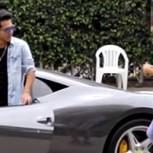 ¿Mujeres interesadas? Hombre es ignorado hasta que se sube a su Ferrari: Este es el video