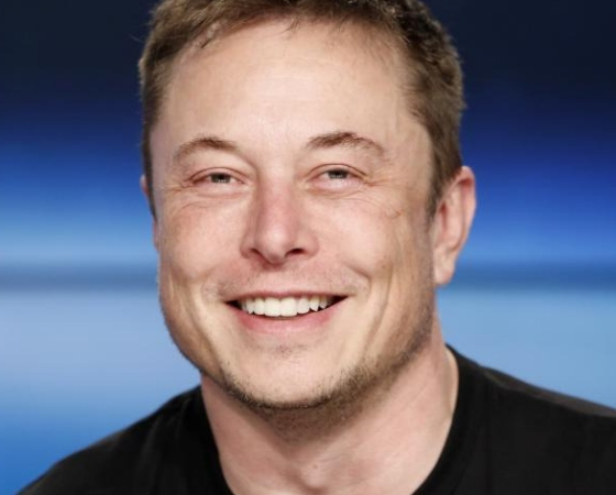 Elon Musk es agregado en Interestellar