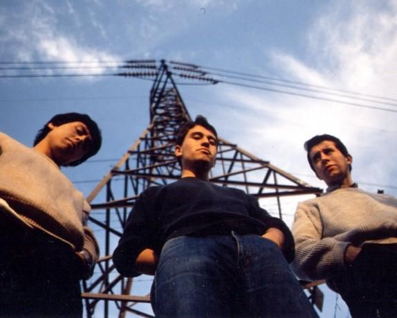 los prisioneros pateando piedras 1986