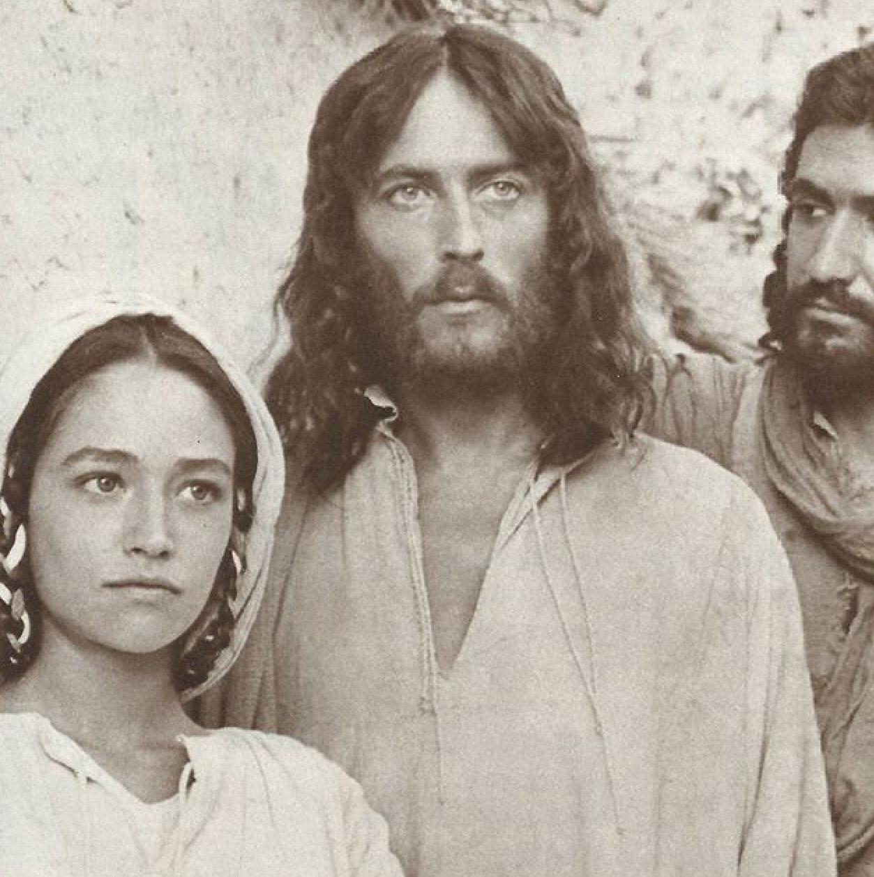 Resultado de imagen para JESUS DE NAZARET PELÍCULA MARIA