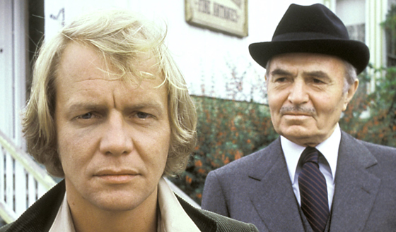 "David Soul junto al famoso actor británico James Mason en la miniserie ""Salem's Lot"" (1979)."