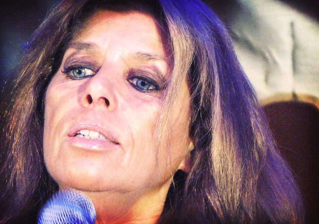 Cómo Luce Hoy Jeanette La Cantante Con Cara De Niña De Soy Rebelde Y Frente A Frente Guioteca
