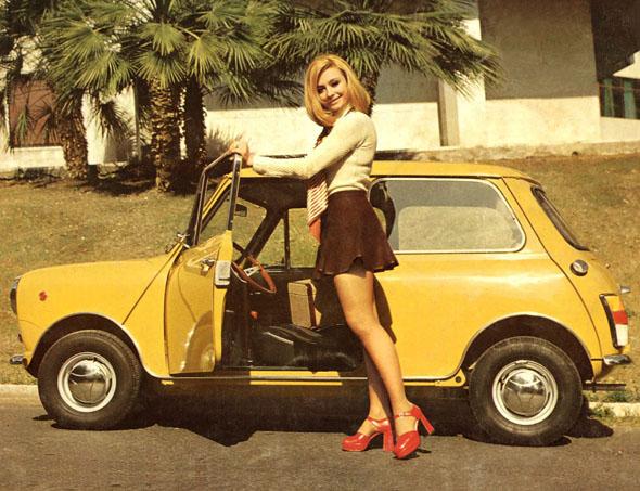 RAFAELLA-CARRA-MINI-19721