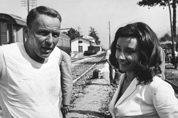 Frank Sinatra y Raffaella Carrá.