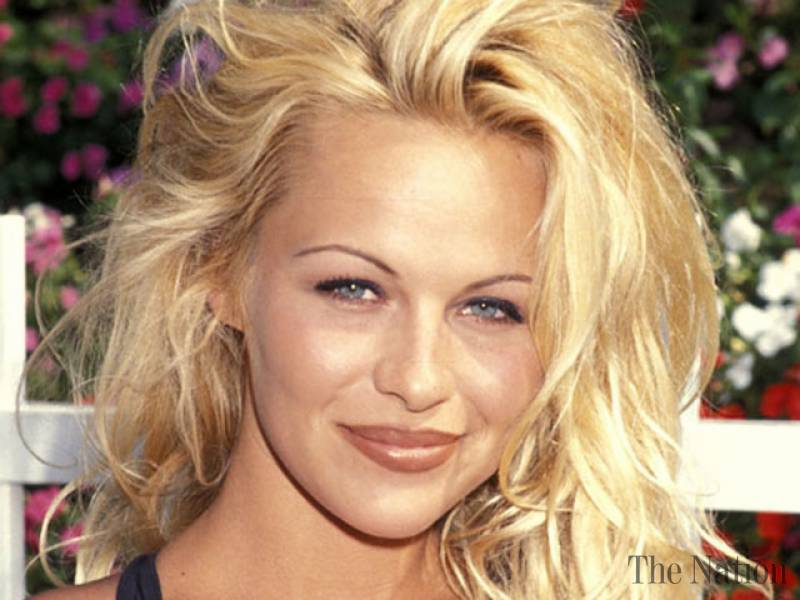 pamela-anderson-to-feature-in-baywatch-movie-1461343476-5288