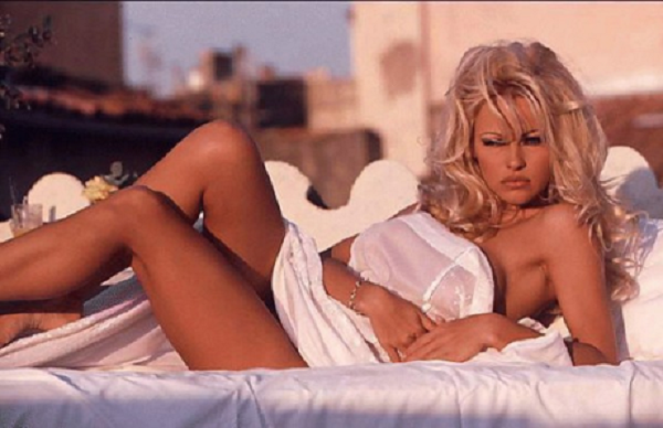 pam-anderson-is-canadas-latest-gift-to-the-world-20-photos-7