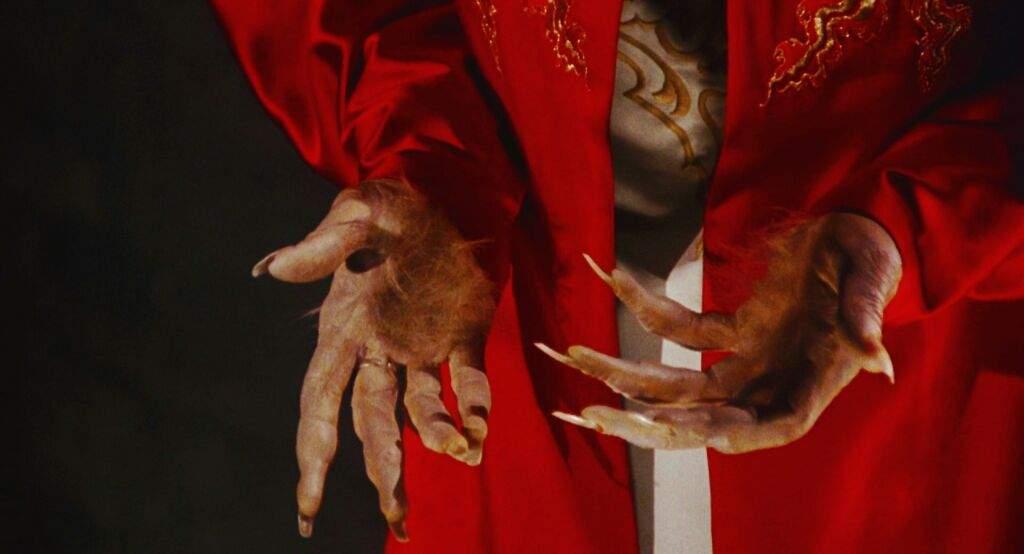 Rosalia - El mal querer - Página 6 Dracula-hands