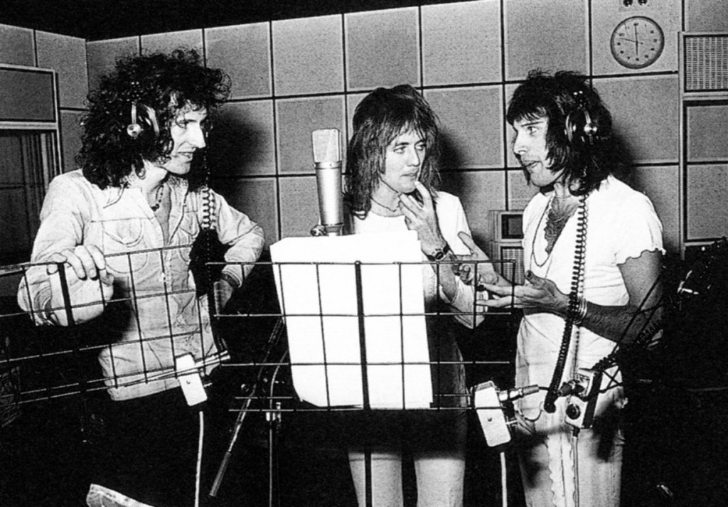 Queen in studio