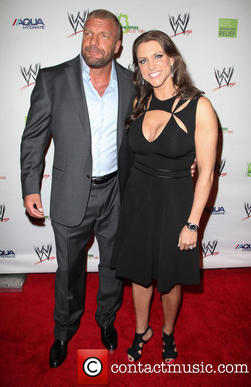 triple-h-stephanie-mcmahon-wwe-superstars-for-sandy_3588275