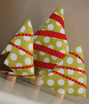 Ideas para navidad mini arbolitos de tela manualidades - Artesanias con telas ...