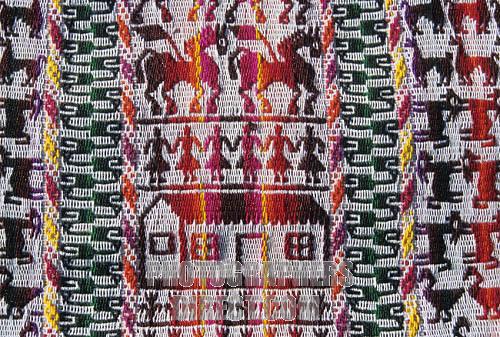 Son Los Textiles De Tarabuco Una Artesanía O Su Manera De Contar La
