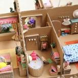 Maravillosa casa de muñecas hecha solamente ¡¡de cartón!!