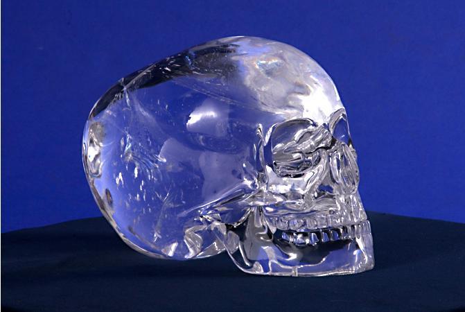 Resultado de imagen de Antiguos cráneos de cristal encontrados
