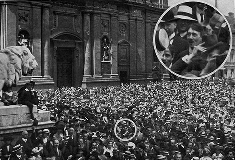 Hitler_in_the_Odeonsplatz_Munich_2_August_1914_by_Heinrich_Hoffmann