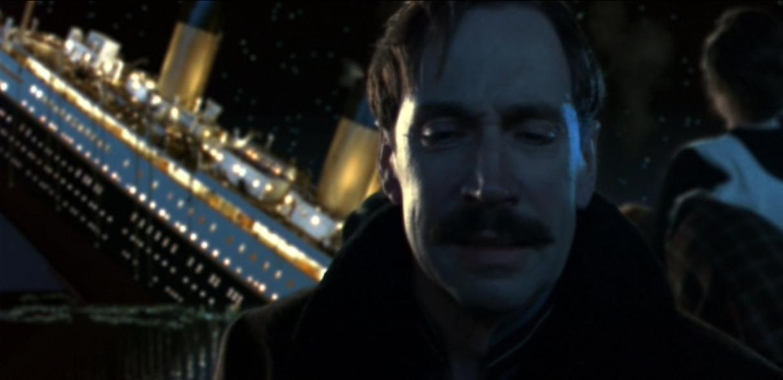 "Ismay en la película ""Titanic"" (1997)."
