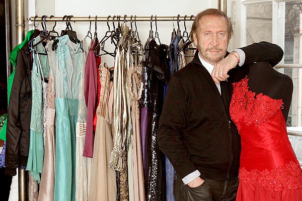 Murió Luciano Brancoli, polémico diseñador de divas como Cecilia Bolocco y Raquel Argandoña