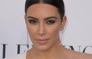 Kim Kardashian llegó a la opera La Traviata con espectacular vestido blanco