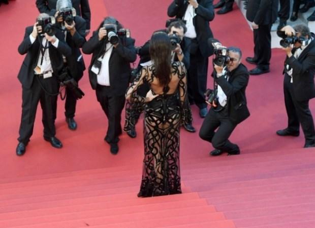 Kendall Jenner sorprende en Cannes con impresionante y sofisticada transparencia