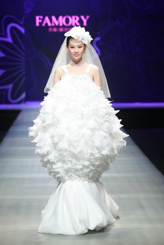 reír o llorar?: vea los peores vestidos de novia que se han diseñado