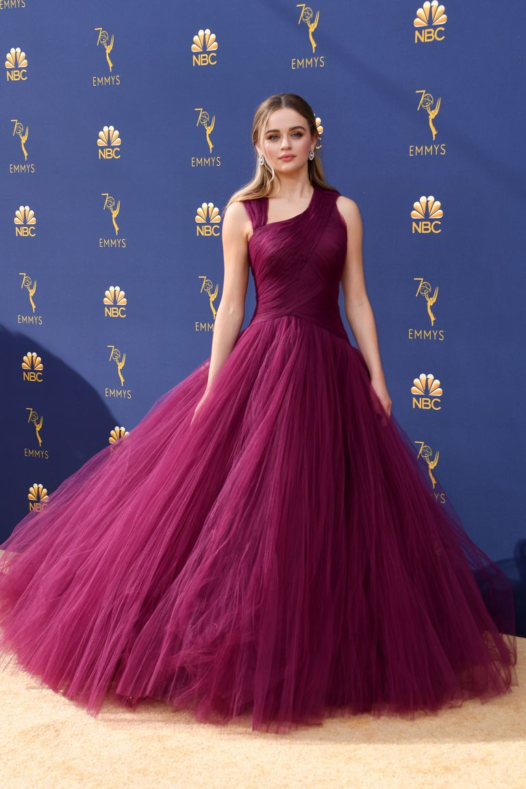 actress-joey-king-arrives-for-the-70th-emmy-awards-at-the-news-photo-1035132828-1537237403