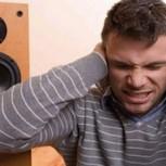 El riesgo de escuchar música fuerte: Conoce a lo que se exponen tus oídos