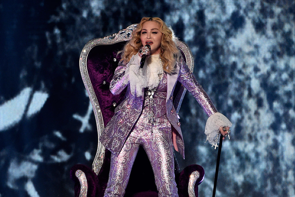 madonna-prince-tribute-billboard-awards-2016