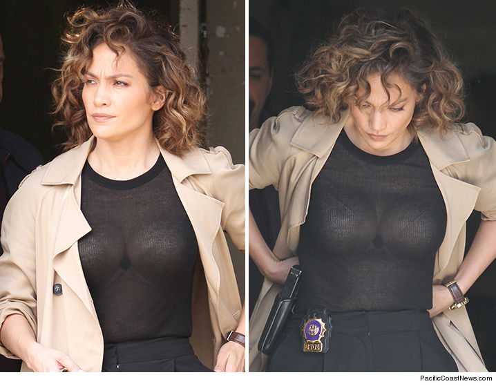 0827-jennifer-lopez-sports-major-cleavage-pcn-3