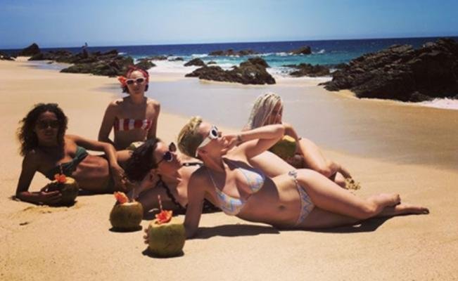 katy_perry_mexico_bikini