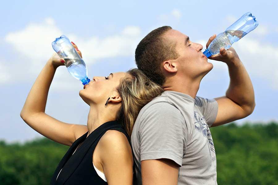 La importancia de consumir agua: Beneficios imperdibles - Guioteca
