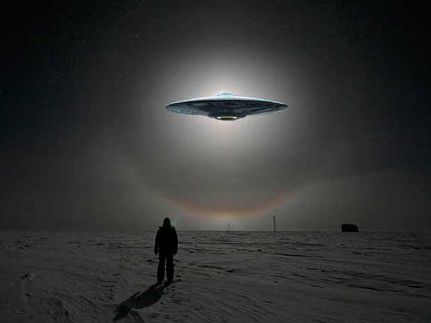 Graban a supuesto OVNI luminoso aterrizando detrás de una montaña en  Estados Unidos - Guioteca