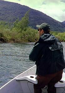 Pesca de Orilla en uno de los tres ríos ideales para flotar y pescar en la Décima Región