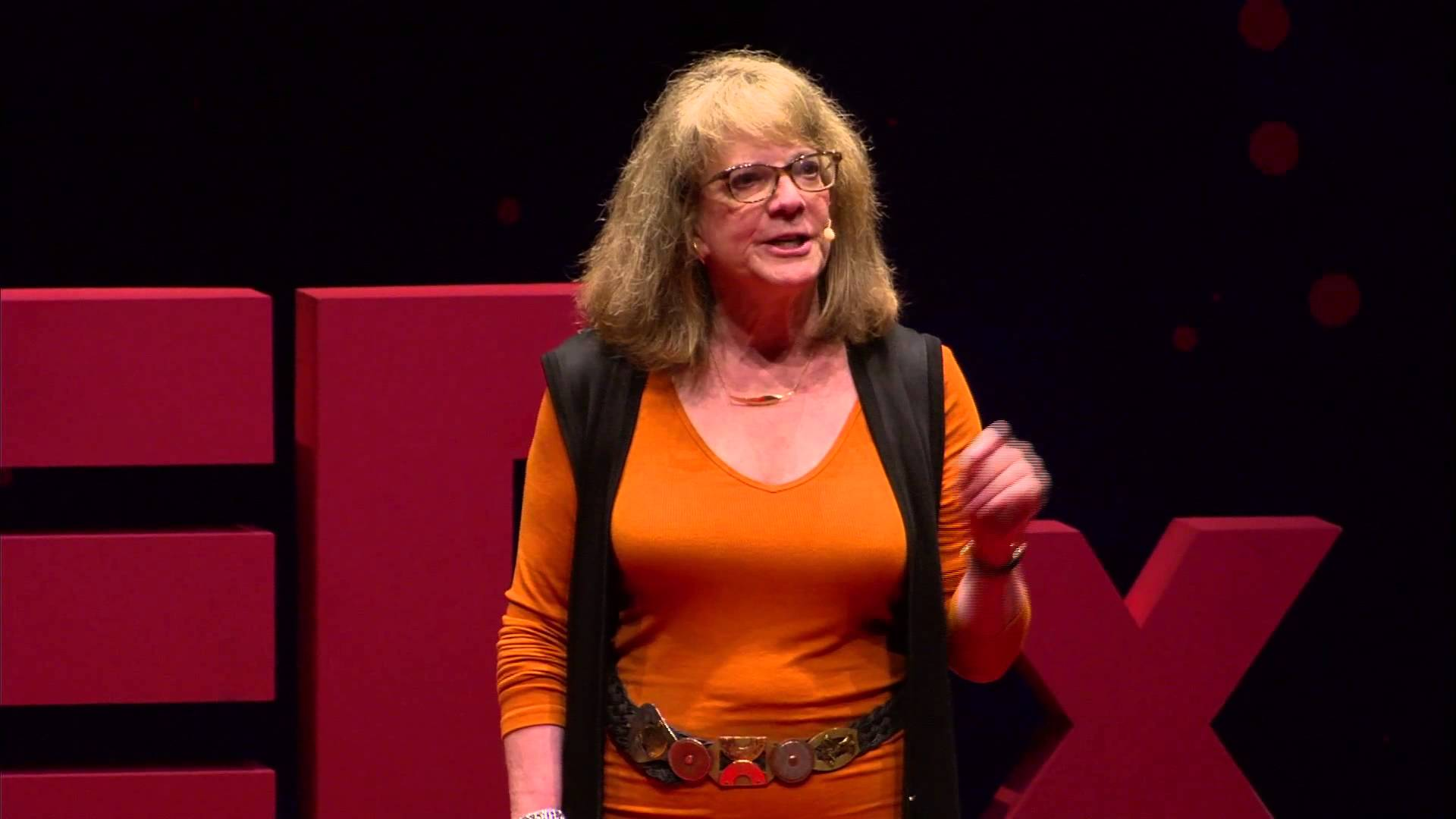 elizabeth loftus Psychologist elizabeth loftus studies memories more precisely, she studies false memories, when people either remember things that didn't happen or remember them differently from the way they really were it's more common than you might think, and loftus shares some startling stories and statistics -- and raises some important ethical questions.